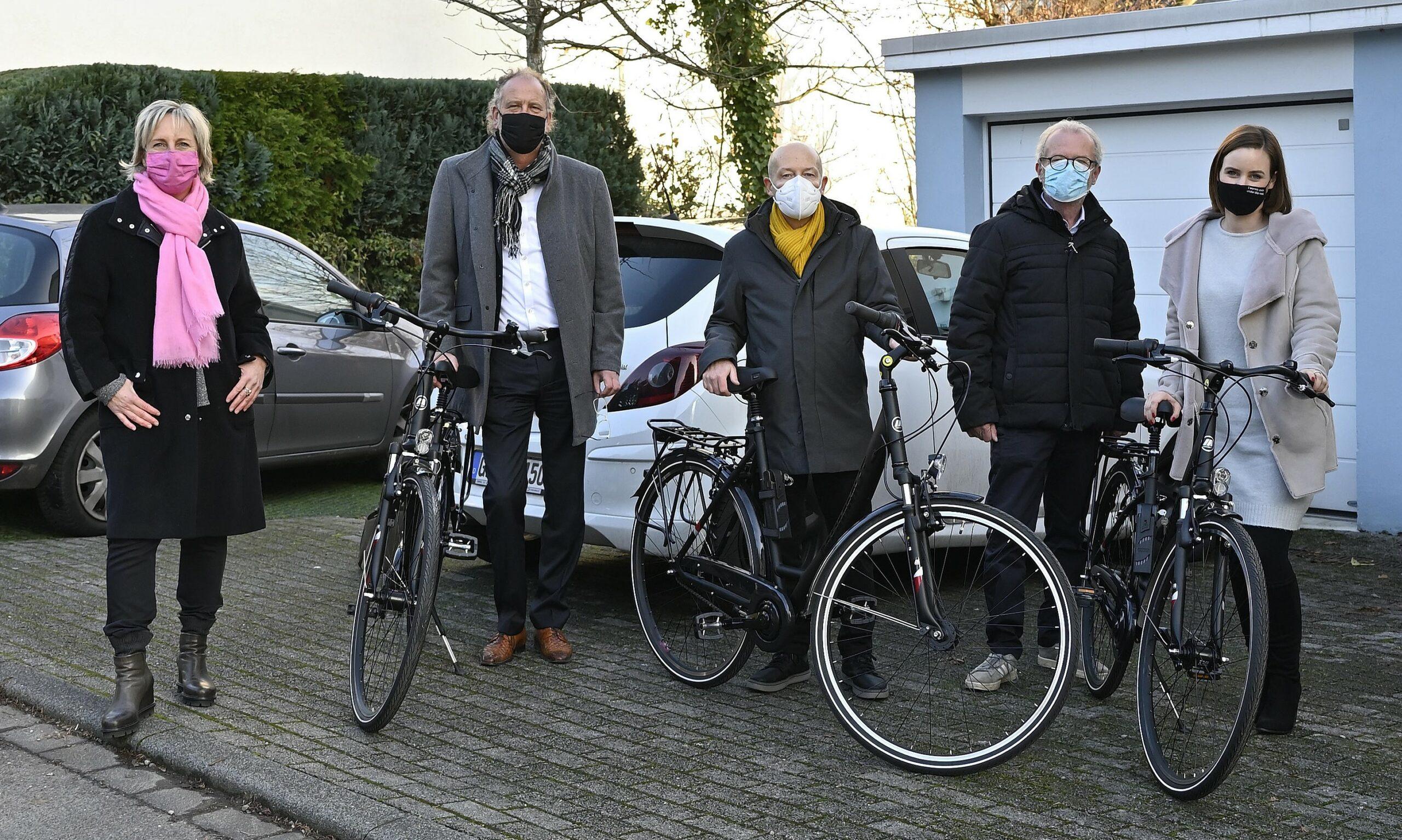 Bild von der Fahrradübergabe